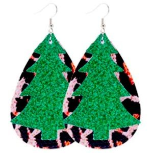 ‼️$5 add on/BOGO(2/$10)‼️🆕Double layer faux leather Christmas teardrop earrings